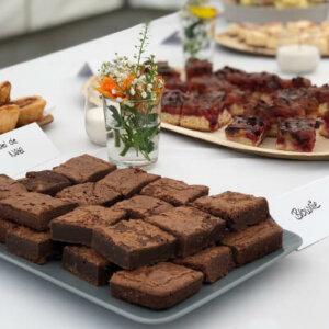 Brownies auf einer Platte
