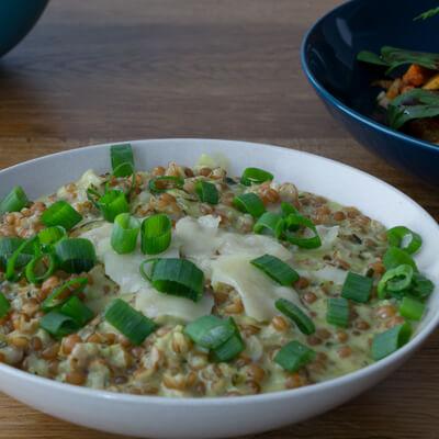 Lunch Catering - Weizenrisotto und Frühlingszwiebeln